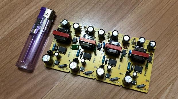 5V3A定制电路板.jpg